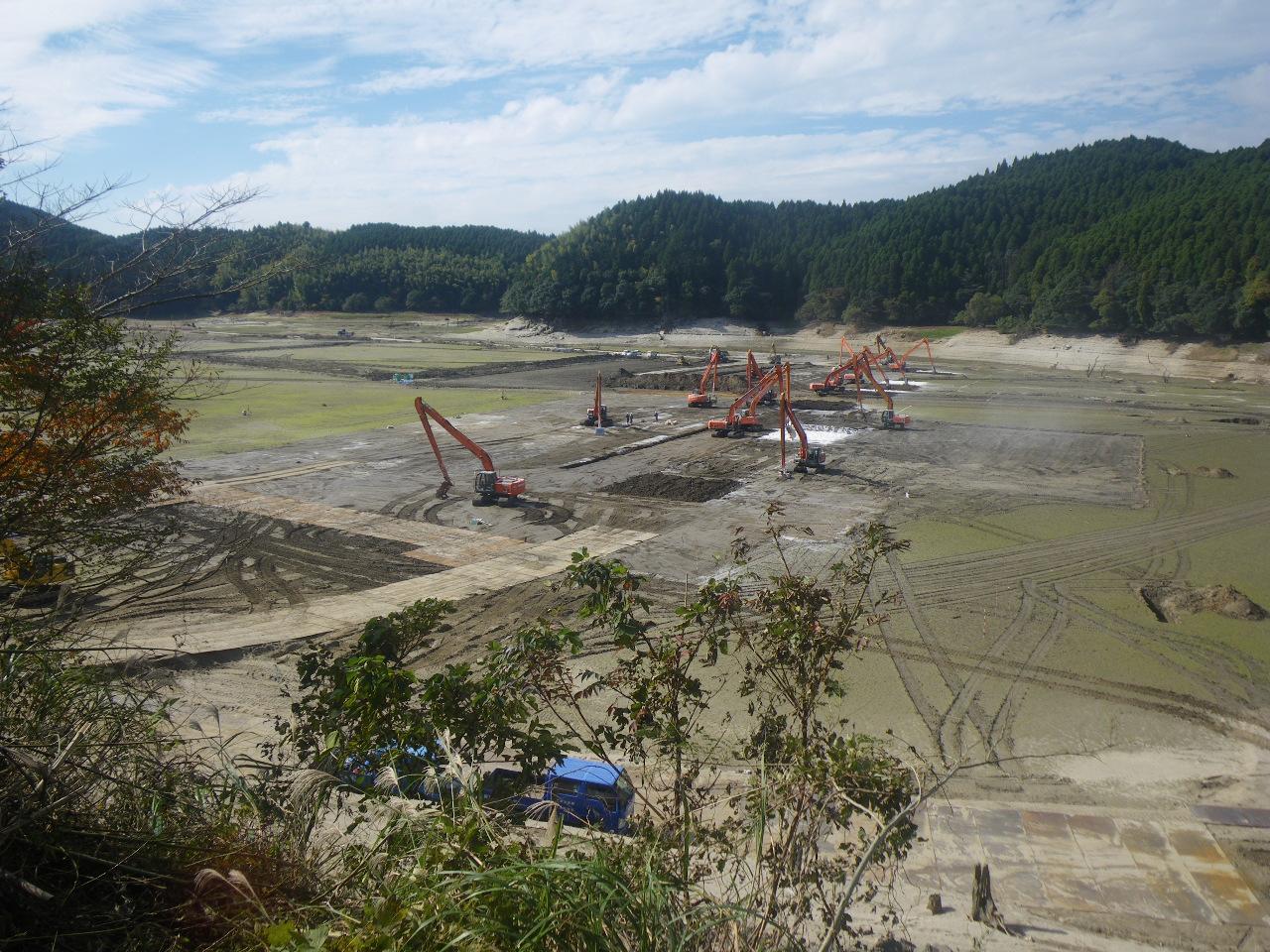 ダムの堆砂問題と浚渫による堆砂対策