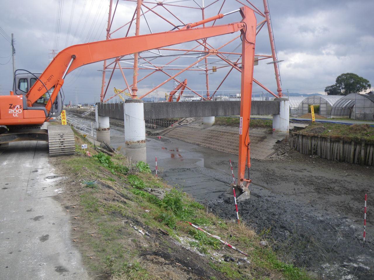 河床地盤改良の固化材と改良の手順