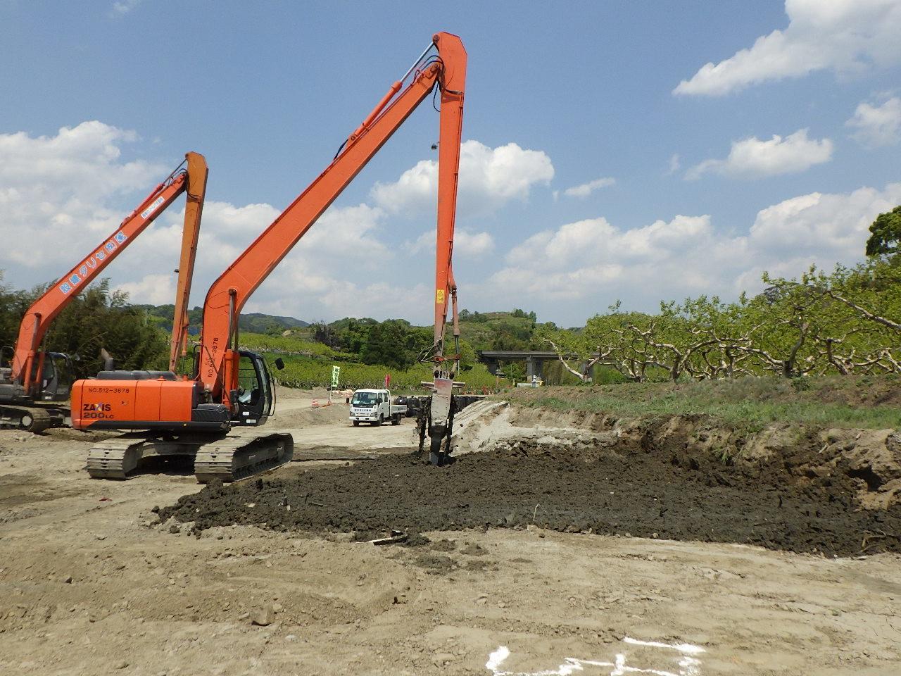 地質や地形に応じた地盤改良を行う